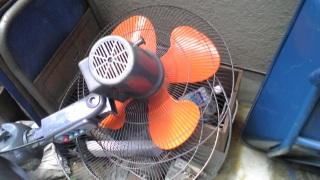 業務用扇風機、破損!